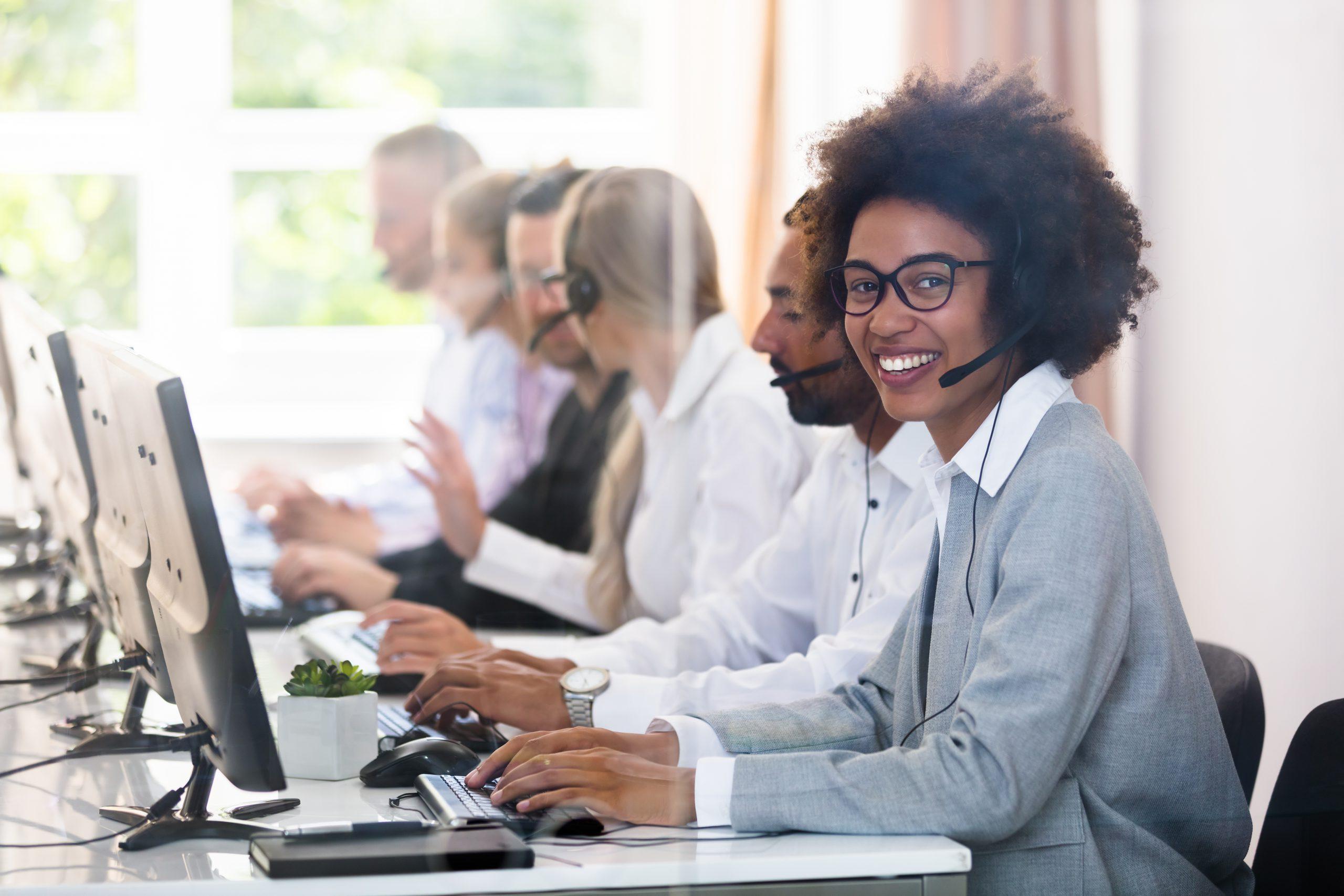 How AI is Changing the Game For Customer Service Agents